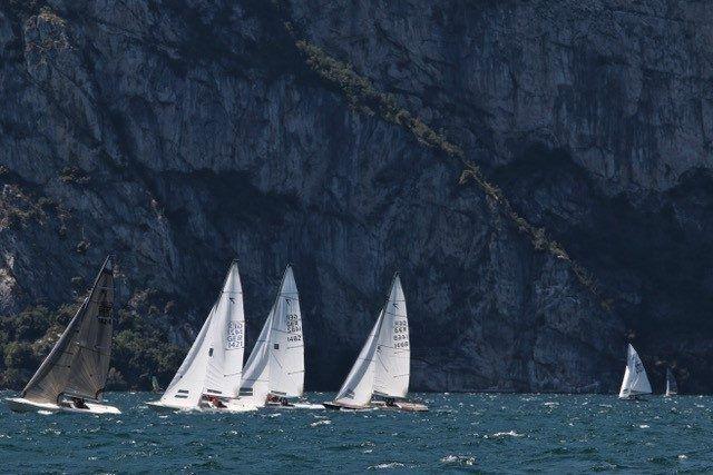 Vela e turismo sul Garda Trentino: torna la Riva Cup per le classi 505, Korsar e Dyas